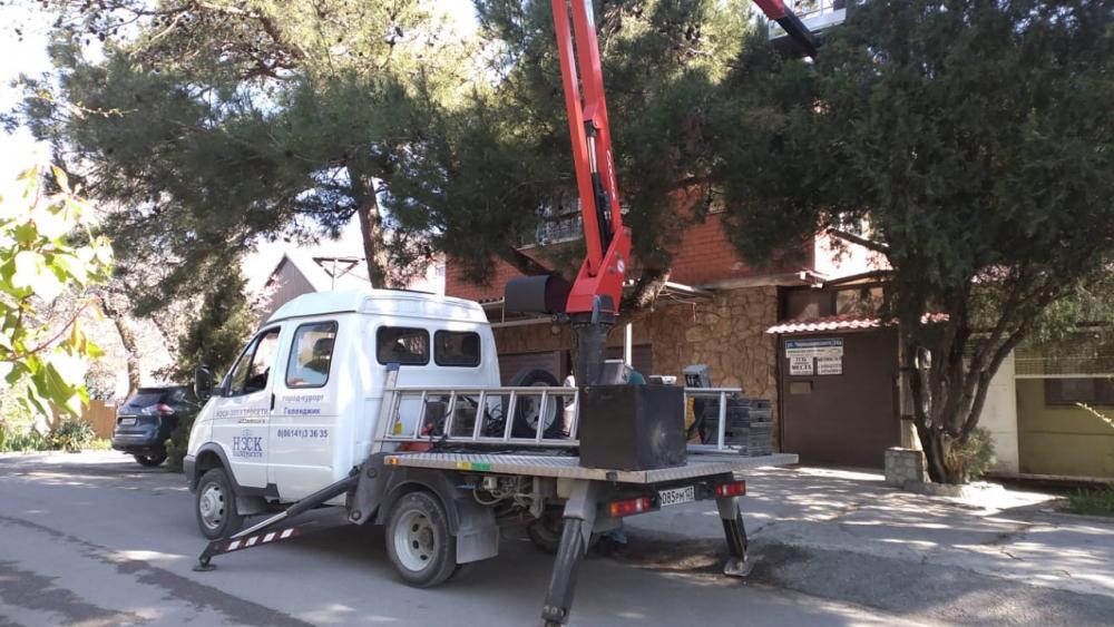 Злостного неплательщика отключили от электроэнергии в Геленджике