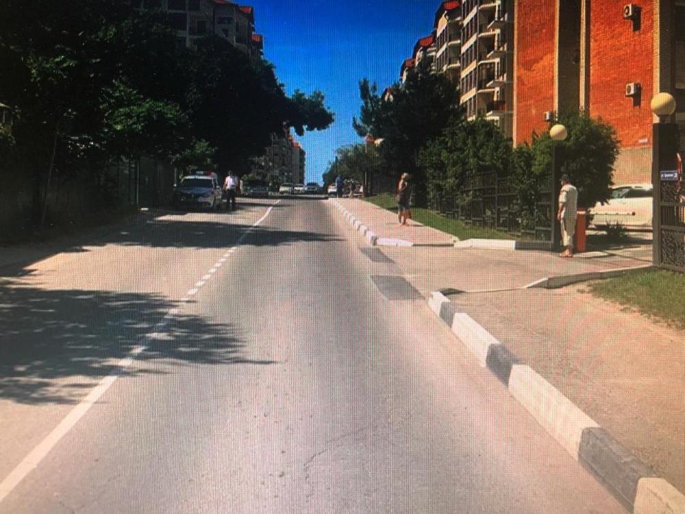 В Геленджике разыскивают водителя, сбившего пешехода