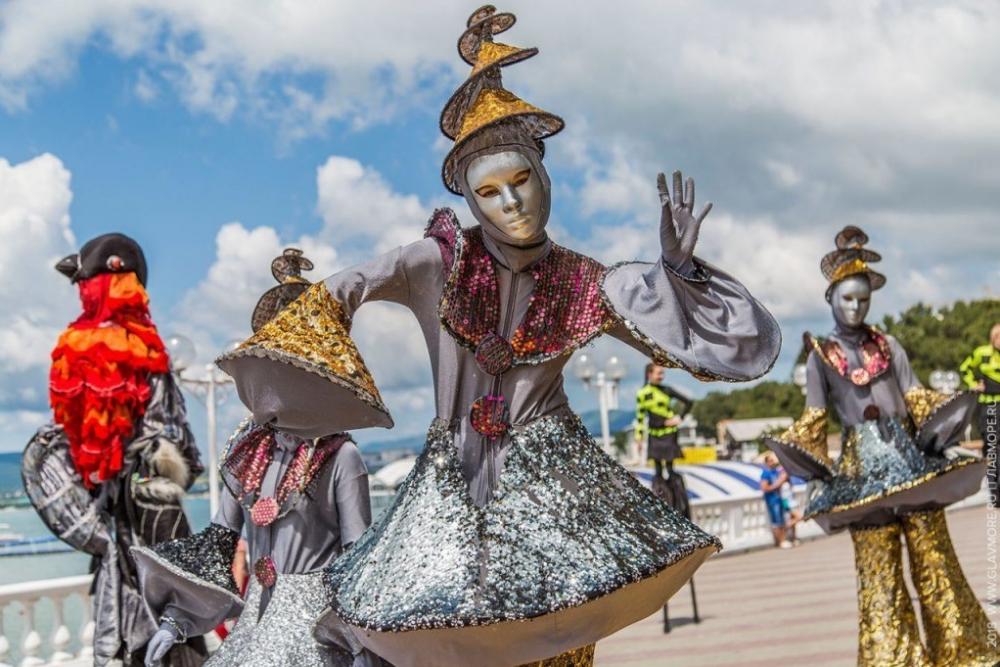 Море сюрпризов и новая концепция ждет участников Карнавала в Геленджике