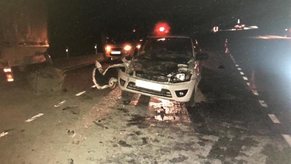 Два автомобиля столкнулись на трассе в Геленджике, есть пострадавший