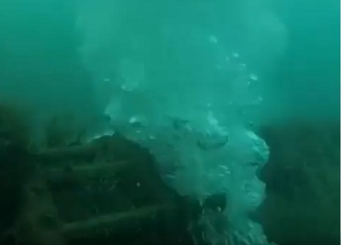Странный фонтан в море под Кабардинкой оказался совсем не тем, о чем все подумали