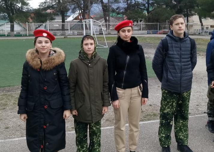 Юнармейцы Егор и Федор рассказали о «Неделе стрелка» в Геленджике