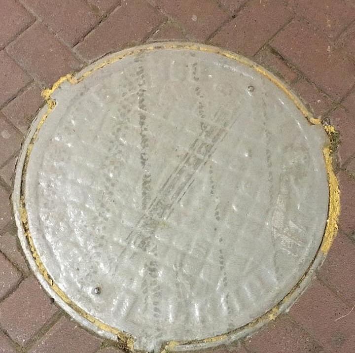 В Геленджике «замуровали» канализационные люки