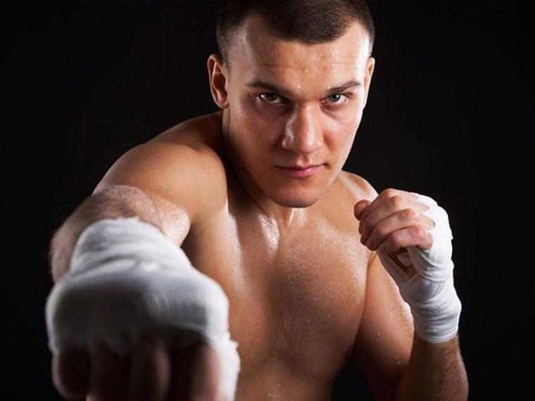 Боксер Максим Власов прокомментировал предстоящий в Геленджике бой