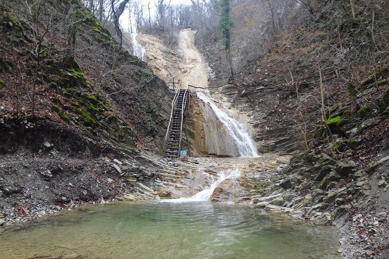 Предприниматель обогащался за счет водопадов в одном из сел Геленджика