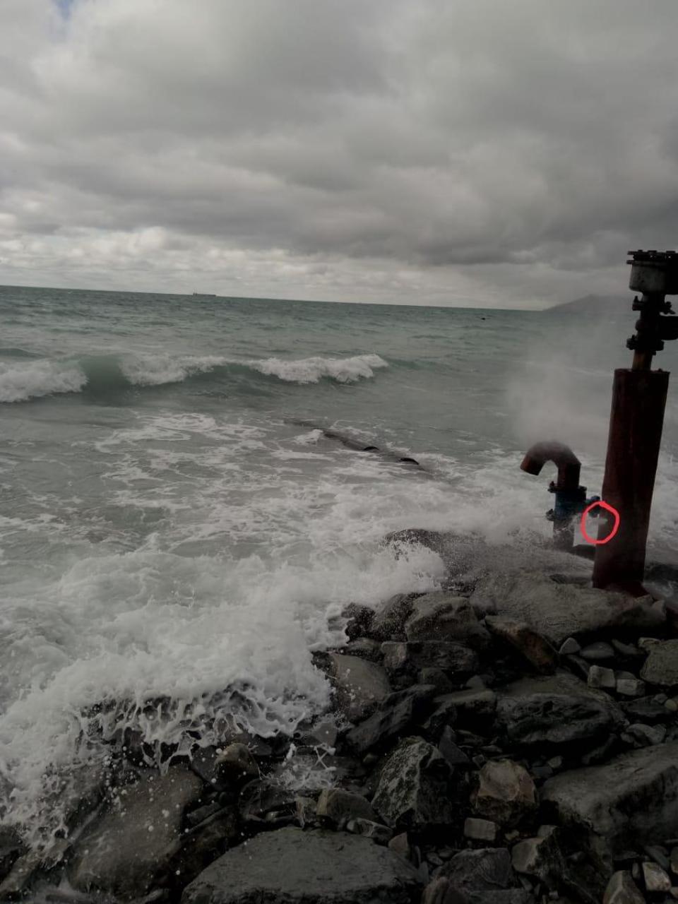 Фонтан, бьющий в море, ликвидировали в Кабардинке