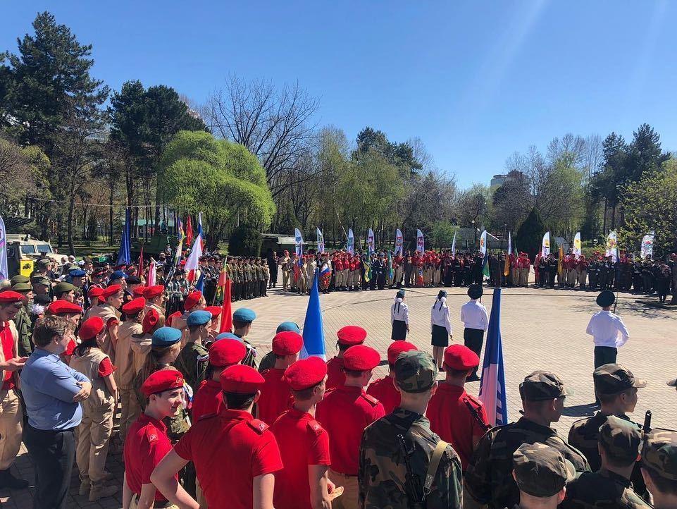 Школьники Геленджика приняли участие в краевой акции «Вахта Памяти – 2019»